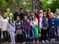 Gruppenbild der Schüler aus Zgorzelec und Niesky bei der Abschlussmesse im Querxenland, Mai 2013