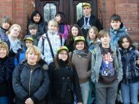 Gruppenfoto der Klasse 8a des Förderschulzentrums beim Besuch der Partnerschule in Boleslawiec